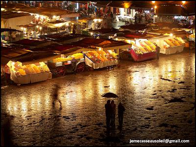 Place Jemâa El Fna sous la pluie