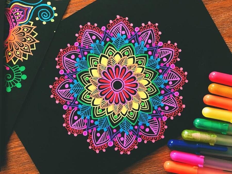 08-Mandala-and-Zentangle-Drawings-Simran-Savadia-www-designstack-co