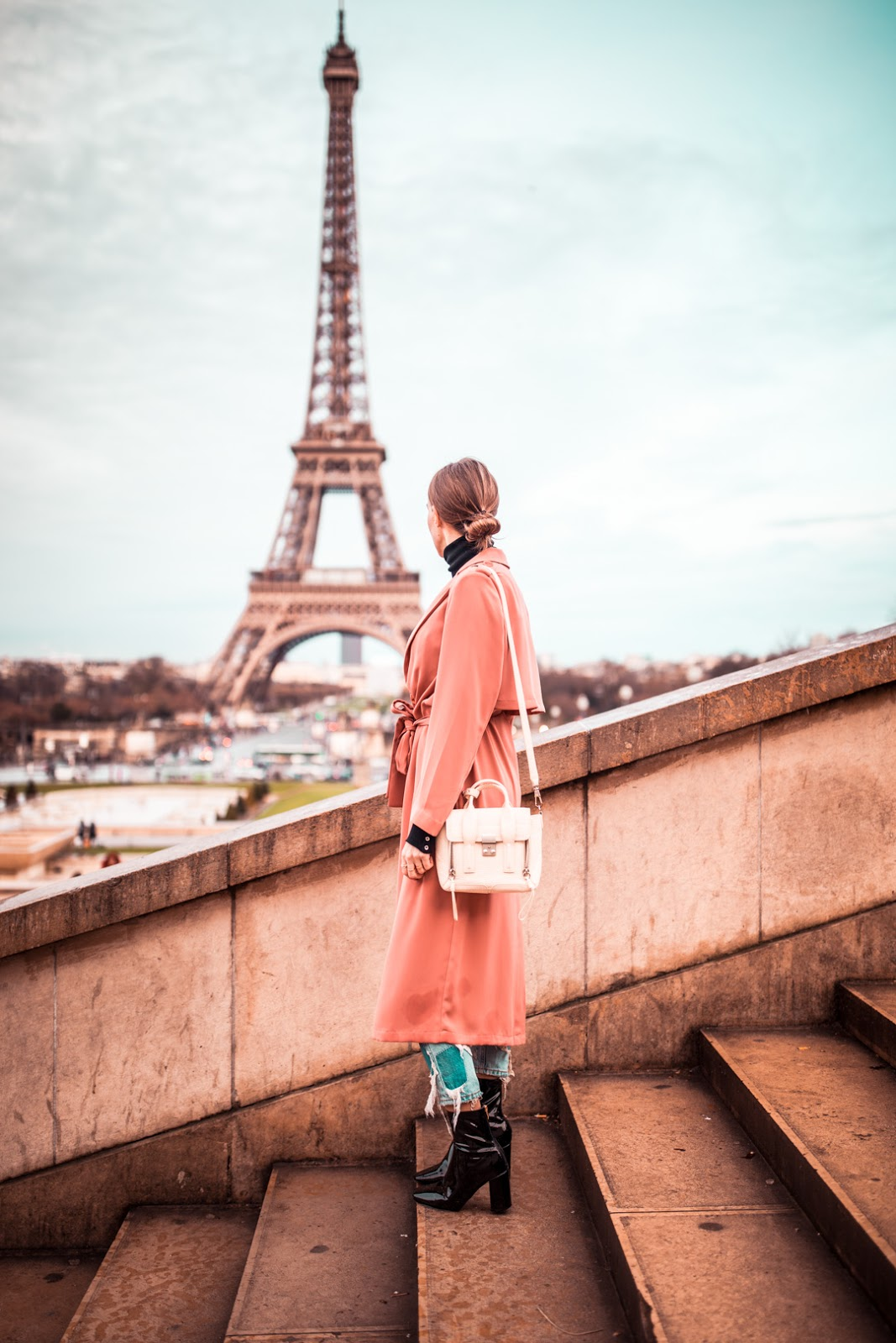 paris eiffel tower girl photography