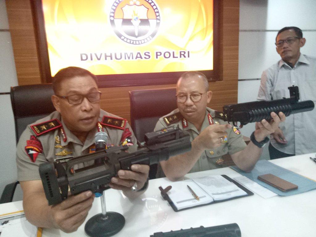 Kompolnas: Brimob Perlu Senjata untuk Gangguan Oknum Militer