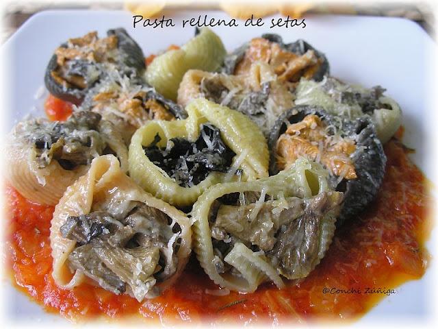 Pasta Rellena De Setas  Con Salsa De Tomate Al Romero