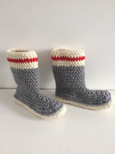 chaussons faits au crochet