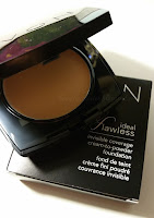 Ideal flawless, cream to powder foundation Avon