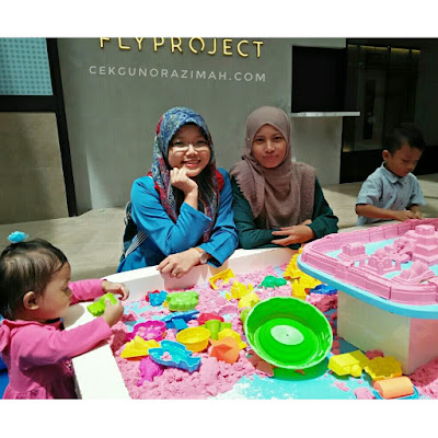 kids fair, damansara city mall, mr bean malaysia, kids fair kuala lumpur, kinder dance, mad scientist, ukulele workshop, coloring workshop, kinetic sand by play sand, lokasi damansara city mall