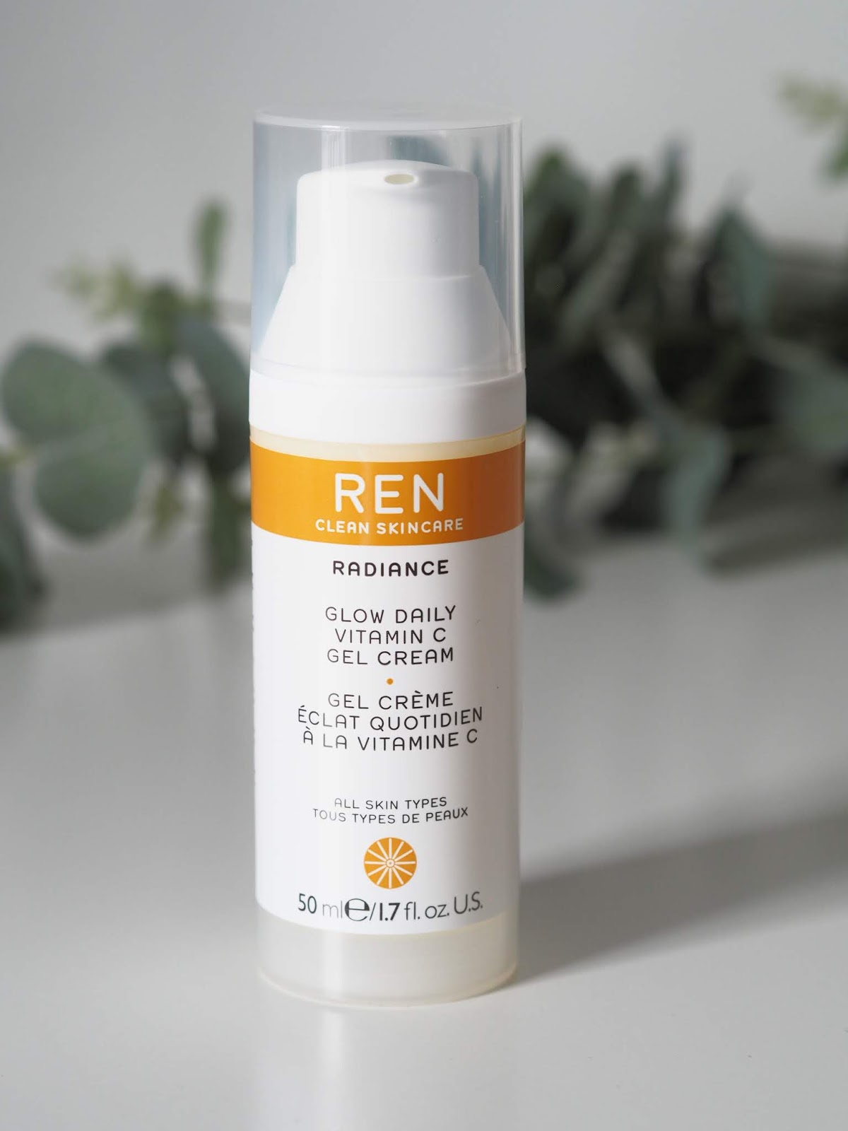 REN clean skincare \ glow daily vitamin c gel cream \ Radiance