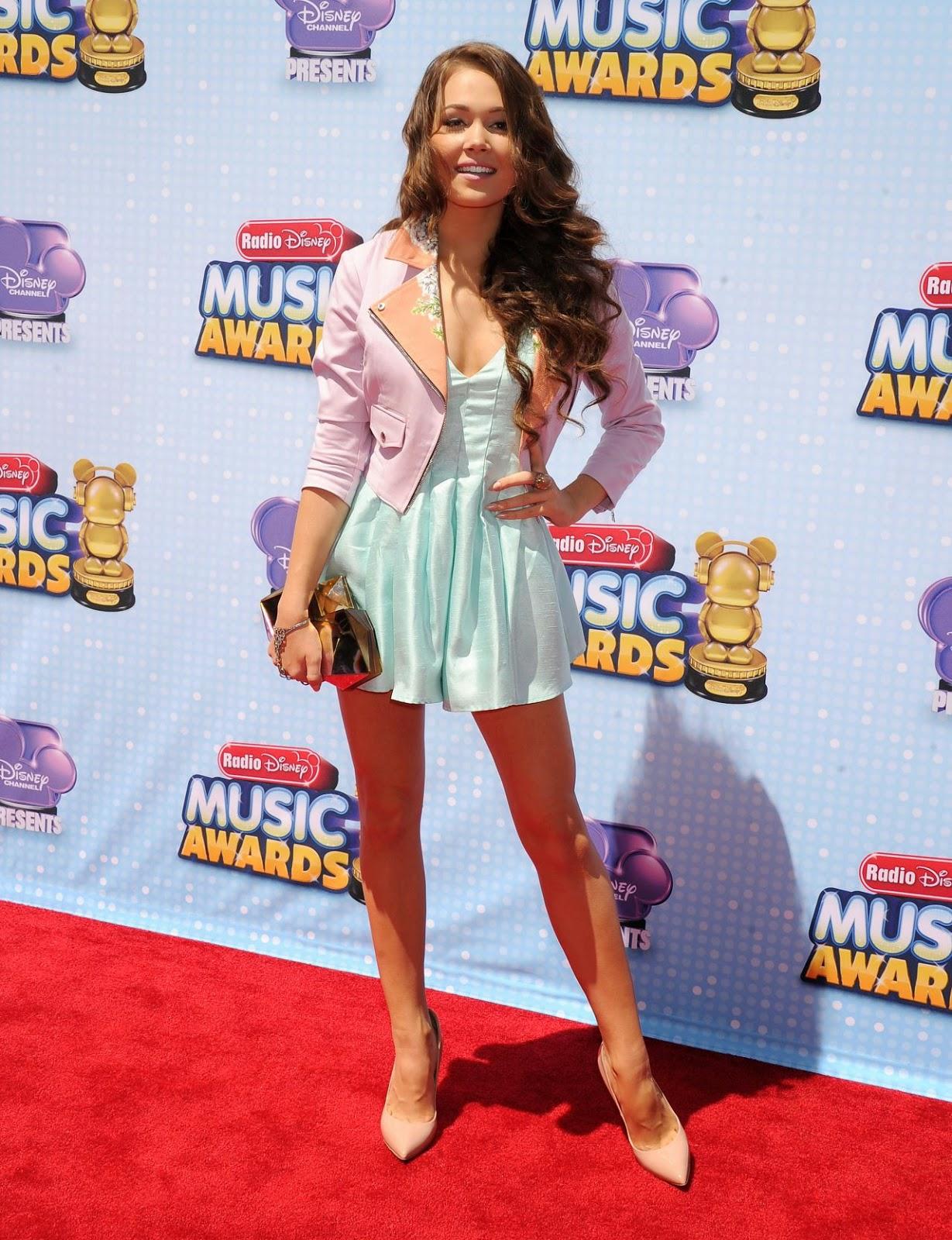 Kelli Berglund shows off long legs at the 2014 Radio Disney Music Awards