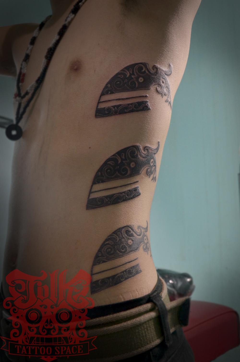 ganz arm tattoo vorlagen tattoos arm komplett awesome arm. Black Bedroom Furniture Sets. Home Design Ideas