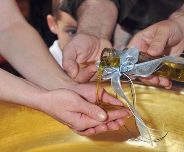 Σκηνές απείρου κάλλους σε βάφτιση στη ΚΩ!- Η μάνα ξεγέλασε τον πατέρα του μωρού…
