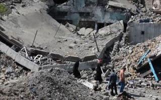 العثور على خمسة اطفال تحت الانقاض في المدينة القديمة في الموصل