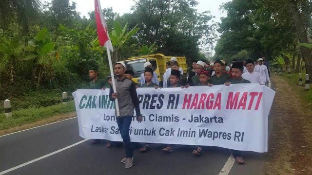 Santri Berjalan dari Ciamis Aksi Bantu Cak Imin