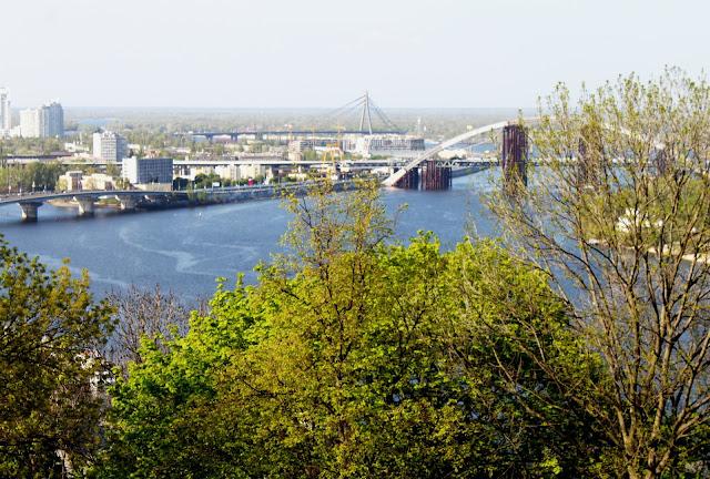 Вид с Владимирской горки на новый мост