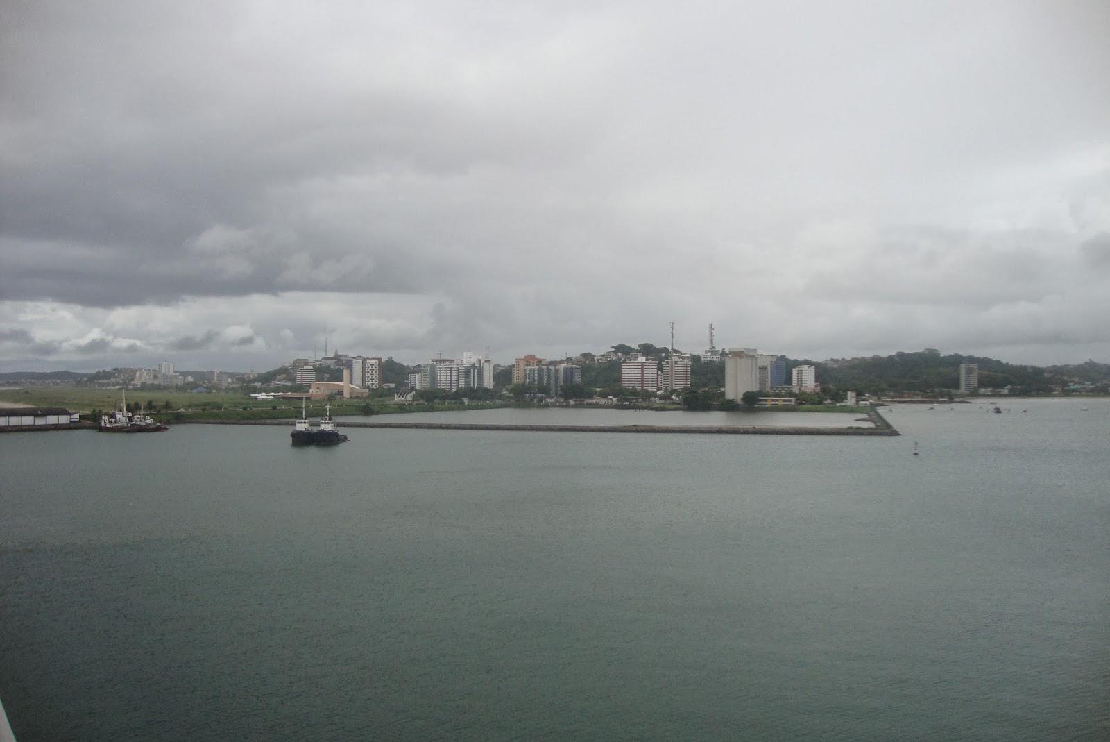 Ilhéus vista do navio ancorado no porto.