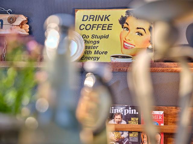 Kaffeepause im Tagungsraum KARO im 4Eck Restaurant Garmisch-Partenkirchen für Events, Geburtstage, Hochzeiten, Seminare, Schulungen, kreativer ArbeitsRaum Original 4Eck, Fotos Marc Gilsdorf