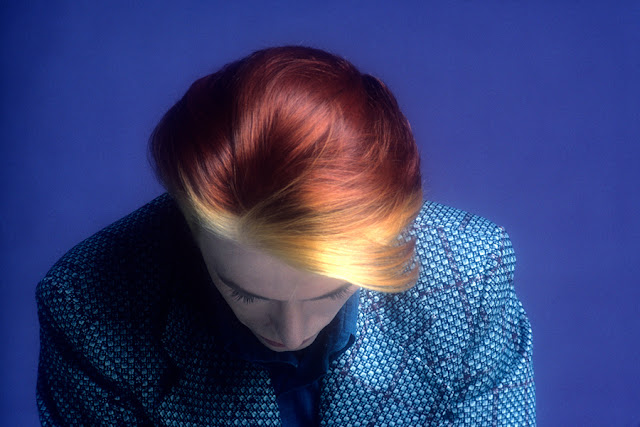 david-bowie-flame-hair-redhair-fire-hair-blue-shirt