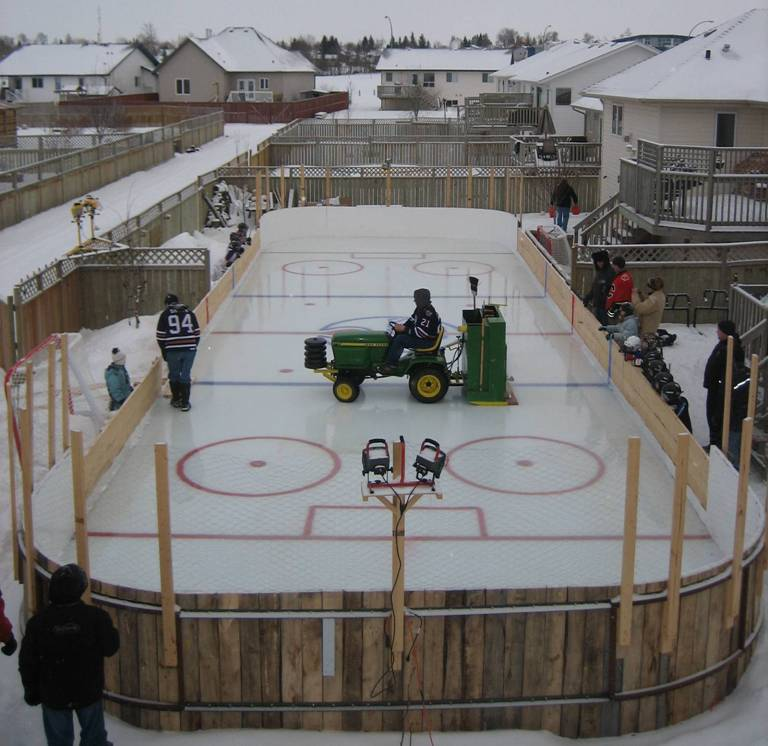 Backyard Hockey Ice Rinks