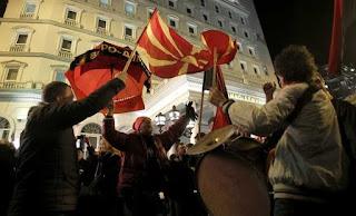 Εμφύλιος στα Σκόπια για το όνομα