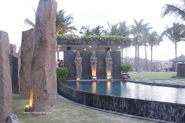 standing stone bali price