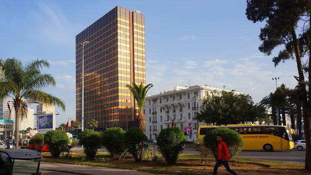 На фото - вид на бульвар Зее У Ма в Касабланке