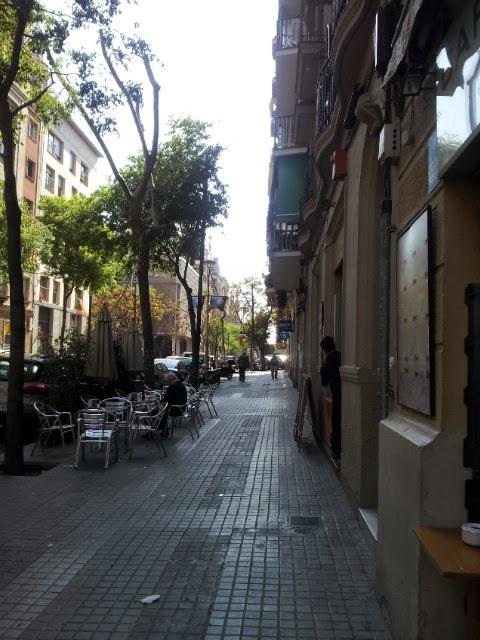 Etsitkö asuntoa Barcelonasta? Voisin ehkä sanoa, että etsipä ihan rauhassa. - Toscanan auringon ...