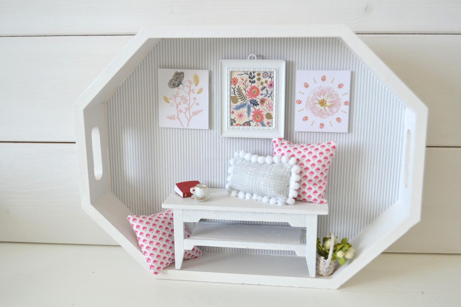 I have been wanting to create more miniature rooms after I made my  miniature sewing room. Rooms Shop