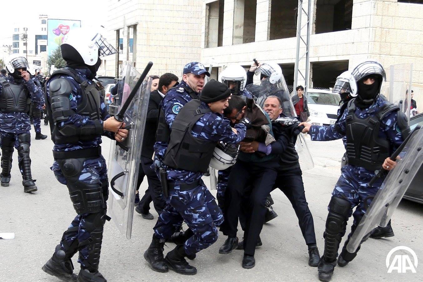 اعتقال طالب من امام جامعة النجاح من قبل مخابرات نابلس