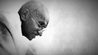 Γκάντι: Ο δειλός δεν μπορεί να δείξει αγάπη! Αυτό είναι προνόμιο των γενναίων
