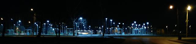 Park Zasole nocą