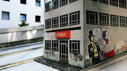 Ein Nachtclub für 'heisse' Bienen | Metbar – Urban Beehive Project