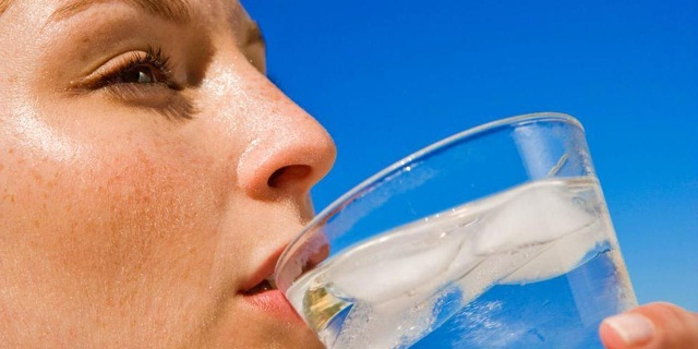 Using Drinking Water to Enhance Your Skin Tone