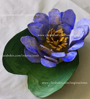 http://clarabelen.com/inspiraciones/1471/como-hacer-una-flor-de-loto-con-rollos-de-papel-higienico/