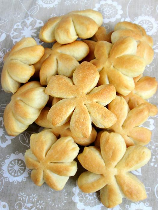 Buttery dinner rolls recipe tinascookings.blogspot.com