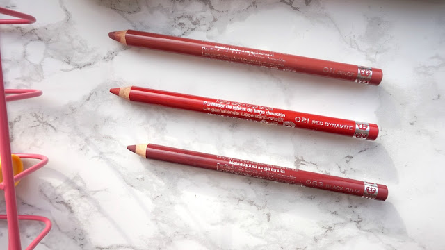 lipliner, rimmel 1000 kisses, review, hanrosewilliams, hannah rose, blogger, beauty, swansea, bristol, cardiff,