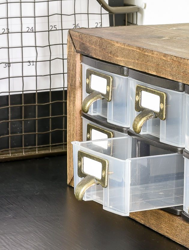 How to transform Plastic Dollar Tree Organizers with drawers