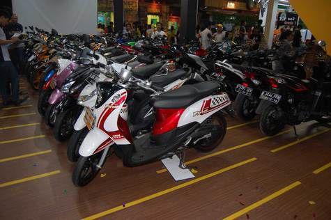 Pasar Motkas Menggiurkan, Adira Siapkan 'Bonus' Mobil