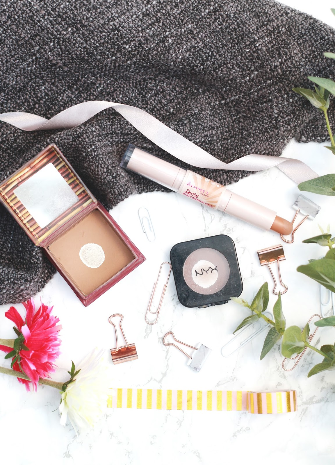 contour, bronzing, hoola bronzer, insta contour stick, nyx taupe blush, benefit, nyx, rimmel, pale skin, contour, highlight, makeup, beauty, beauty blogger, forever september, fashion, lifestyle, flatlay, blogger, instagram blogger, marble background,