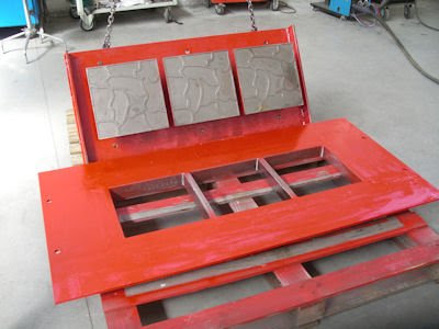 Hollow block making molds