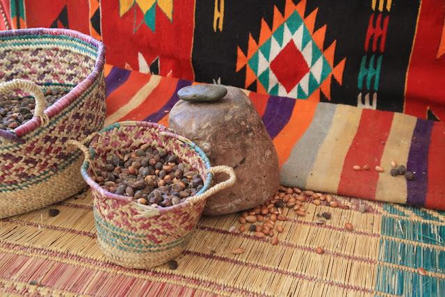 Ziarna arganowe w koszach