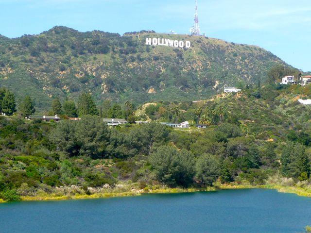 https://2.bp.blogspot.com/-9Nn7x5KKVAg/Tmumo_gYD4I/AAAAAAAAGK4/2QjvpCro0dU/s1600/Lake+Hollywood+Reservoir+%25281%2529.jpg