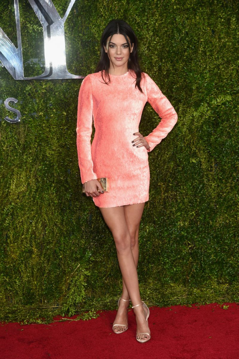 Kendall Jenner shimmers in a short dress at the 2015 Tony ...