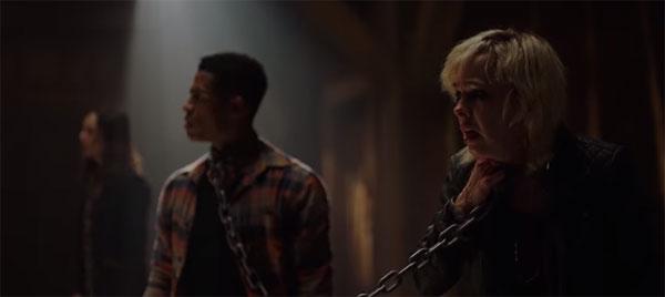 Mitch (Mandela Van Peebles) et Carly (Brittany Allen) dans Jigsaw
