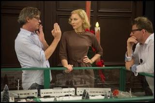 Todd Haynes dirige a Cate Blanchett en el set de Carol