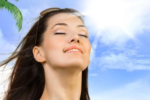 Manfaat dan Bahaya Sinar Matahari Siang bagi Tubuh
