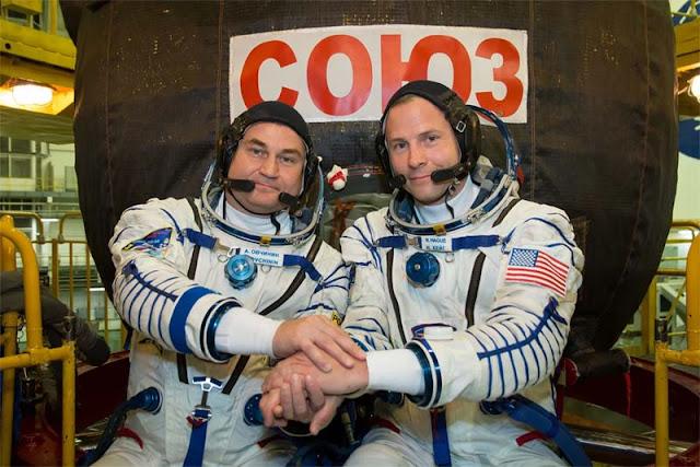 Cosmonauta russo Alexey Ovchinin e astronauta estadunidense Nick Hague durante treinamento realizado em 26 de setembro de 2018
