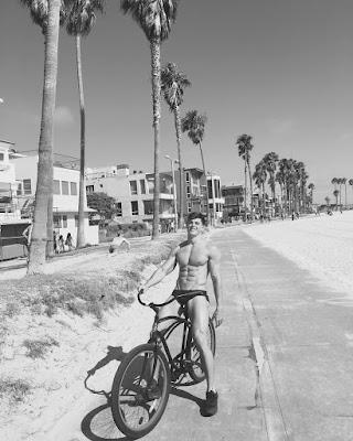 Pietro Boselli goes cycling. Venice ride.