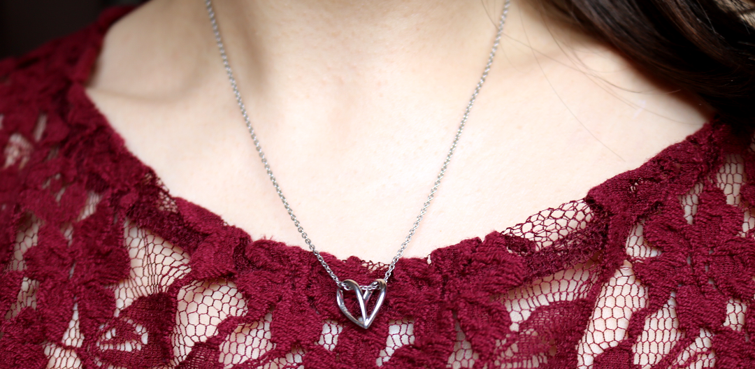 Sacet Lujia Perched Butterfly Necklace review
