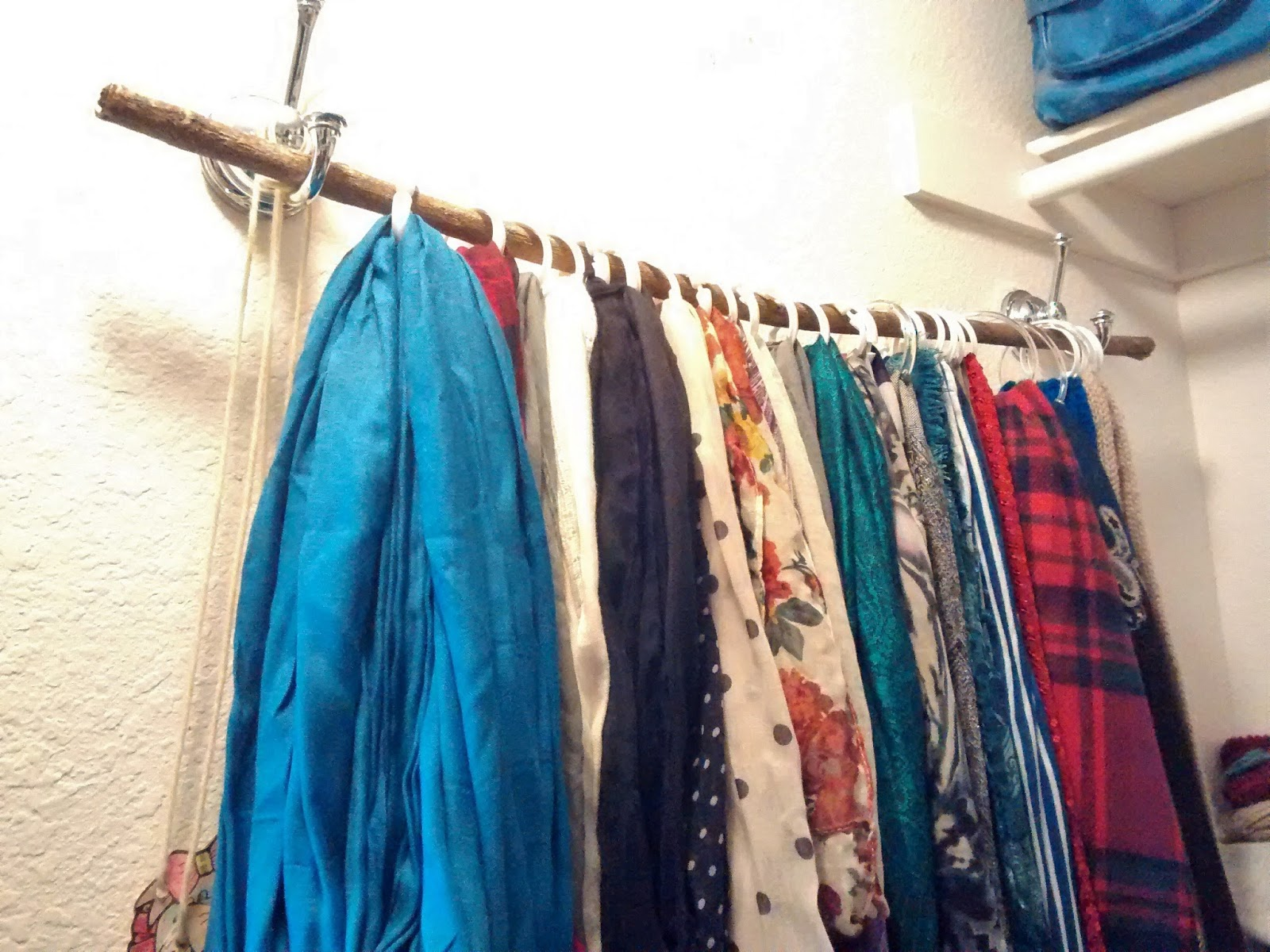 Simply Wright: DIY Scarf Organizer/ Hanger
