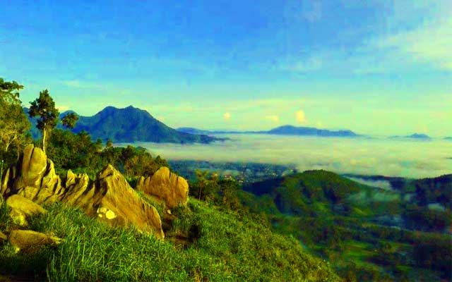 Keindahan Bukit Jamur di Bengkayang
