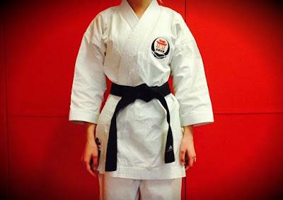 cara ikat sabuk karate