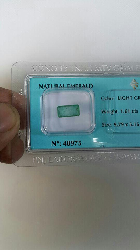 Đá Emerald Ngọc Lục Bảo Thiên Nhiên Đã Kiểm Định