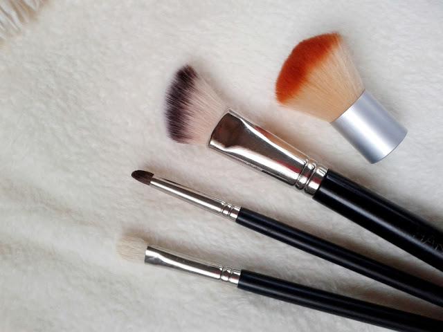 Podstawowe pędzle potrzebne do makijażu